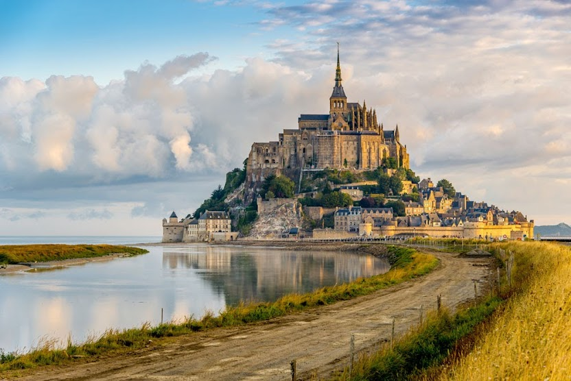 Комплекс аббатства Мон Сен-Мишель 10 лучших достопримечательностей Франции