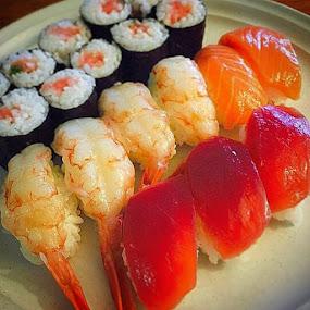父の日, Hiroko's ハンドメイドお寿司. Early Fathers Day dinner. by Bill      (THECREOS) Davis - Food & Drink Plated Food