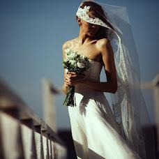 Wedding photographer Vasiliy Tikhomirov (BoraBora). Photo of 26.12.2014