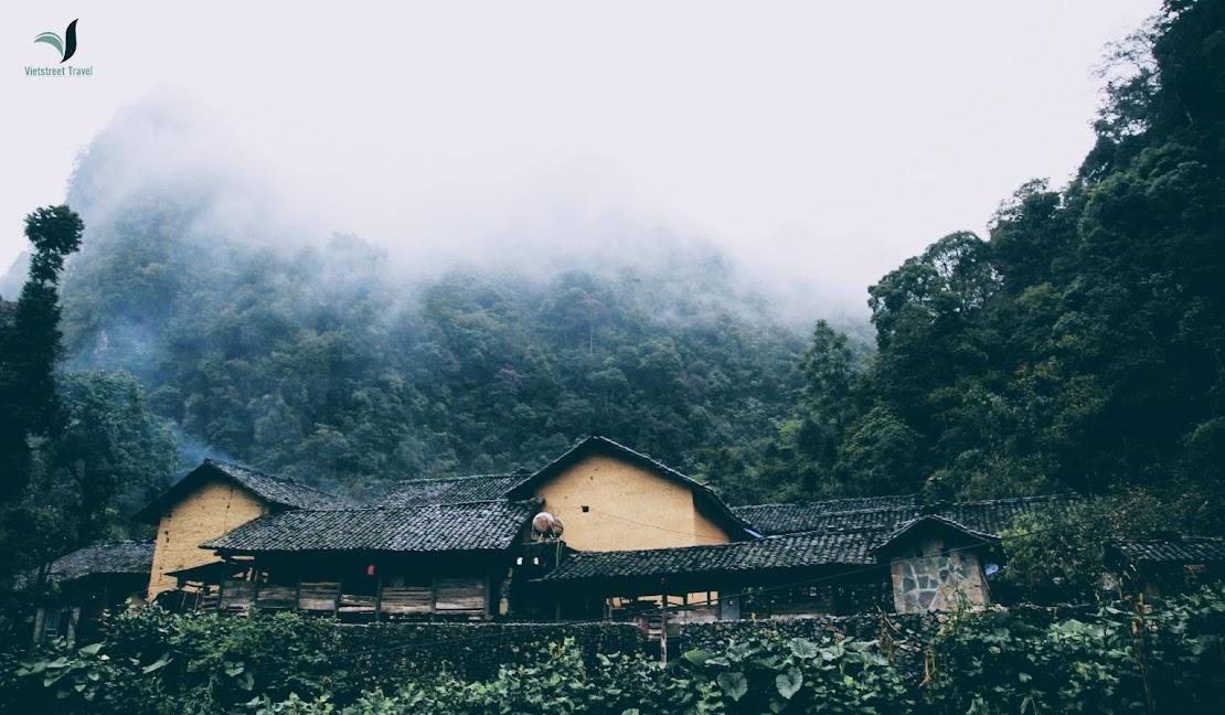 Du lịch Hà Giang - Nhà của Pao