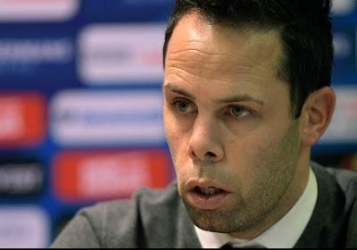 """Trainer die racistisch bejegende speler """"zielig mannetje"""" noemde, komt tot inzicht en betuigt zijn spijt"""