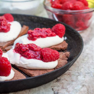 Vegan High Protein Dessert Pizza with Raspberry Sauce {GF}