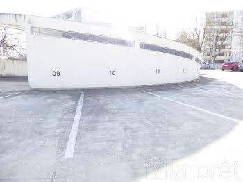 parking à La Chaussée-Saint-Victor (41)