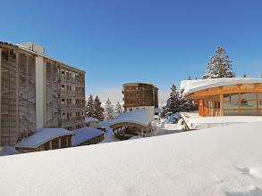 Photo: Vue sur l'ensemble du site en hiver