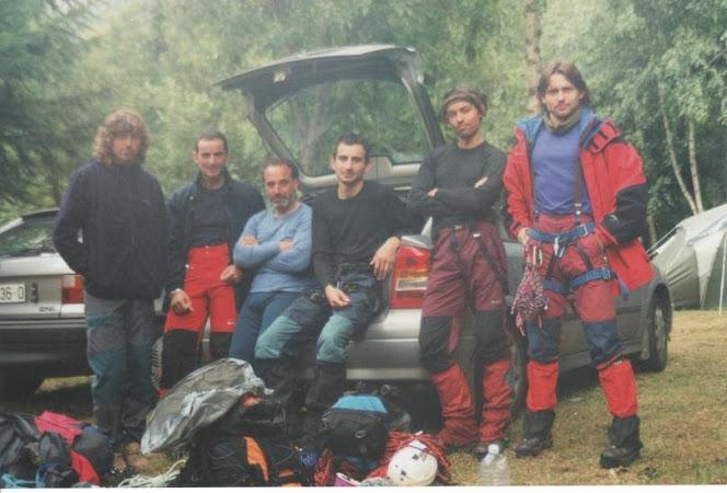 Mundi, Óscar, Tato, Antonio, Manu e eu, no camping Mer de Glace, en Chamonix, recén baixados do Mont Blanc du Tacul