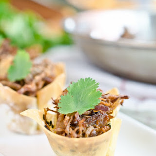 Thai Coconut Curry Beef in Crispy Wonton Cups