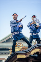 Photo: Dancing On The Rooftops  This past weekend I visited the Narita Gion Matsuri with fellow photographer +Anthony Wood. I haven't really been to many festivals since coming back to Japan in 2012, so I was excited to have the opportunity to check this one out. It was a really fun festival - the perfect mixture of the traditional and playful aspects of Japanese culture. I share a bunch more photos over at the blog, so be sure to check more out there as well.  Blog post: http://lestaylorphoto.com/narita-gion-matsuri/  #japan #travel #culture #festival