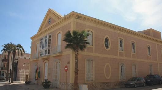 El Ayuntamiento baraja personarse en la causa contra el exalcalde Hernández
