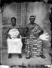 Photo: J.K. Bruce Vanderpuije (Ghana), The chief of Jamestown fisherman and his wife,  le chef de Jamestown qui est pêcheur et sa femme  (1939) © J.K. Bruce Vanderpuije