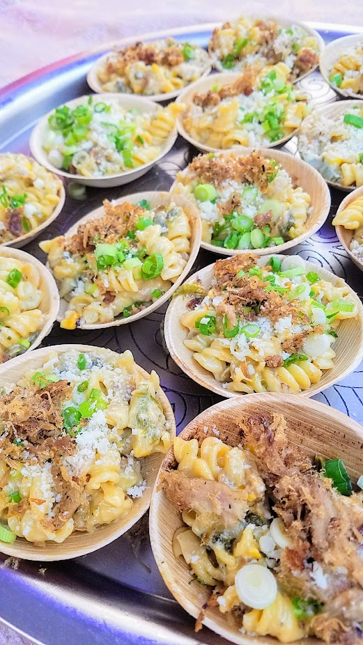 Review of Feast PDX Smoked 2017, Lisa Schroeder of Mother's Bistro gave us a little creamy comfort with her Fire-Roasted Poblano Pepper, Onion, Fresh Corn & Pulled Pork Macaroni & Cheese with Aged Monterey Jack, Tillamook Monterey Jack, Cotija Cheese & Green Onions