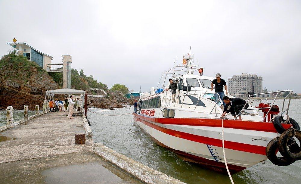 Du thuyền mới 100 chỗ ngồi hiện đại bổ sung vào đội tàu cao tốc của Công ty CP Song Ngư Sơn