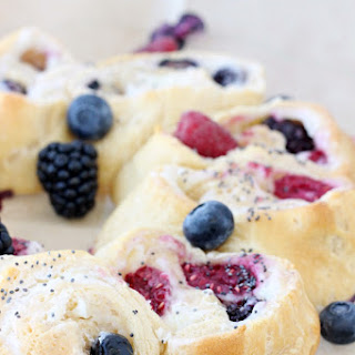 Triple Berry & Cream Cheese Ring – Pillsbury Crescent Roll Recipe