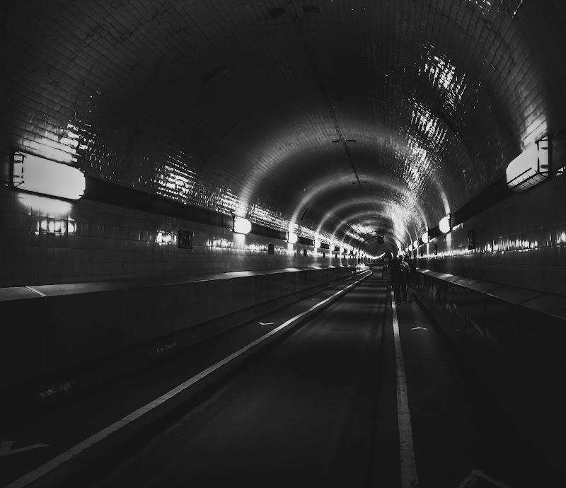 Under the earth  di andreea_gatin