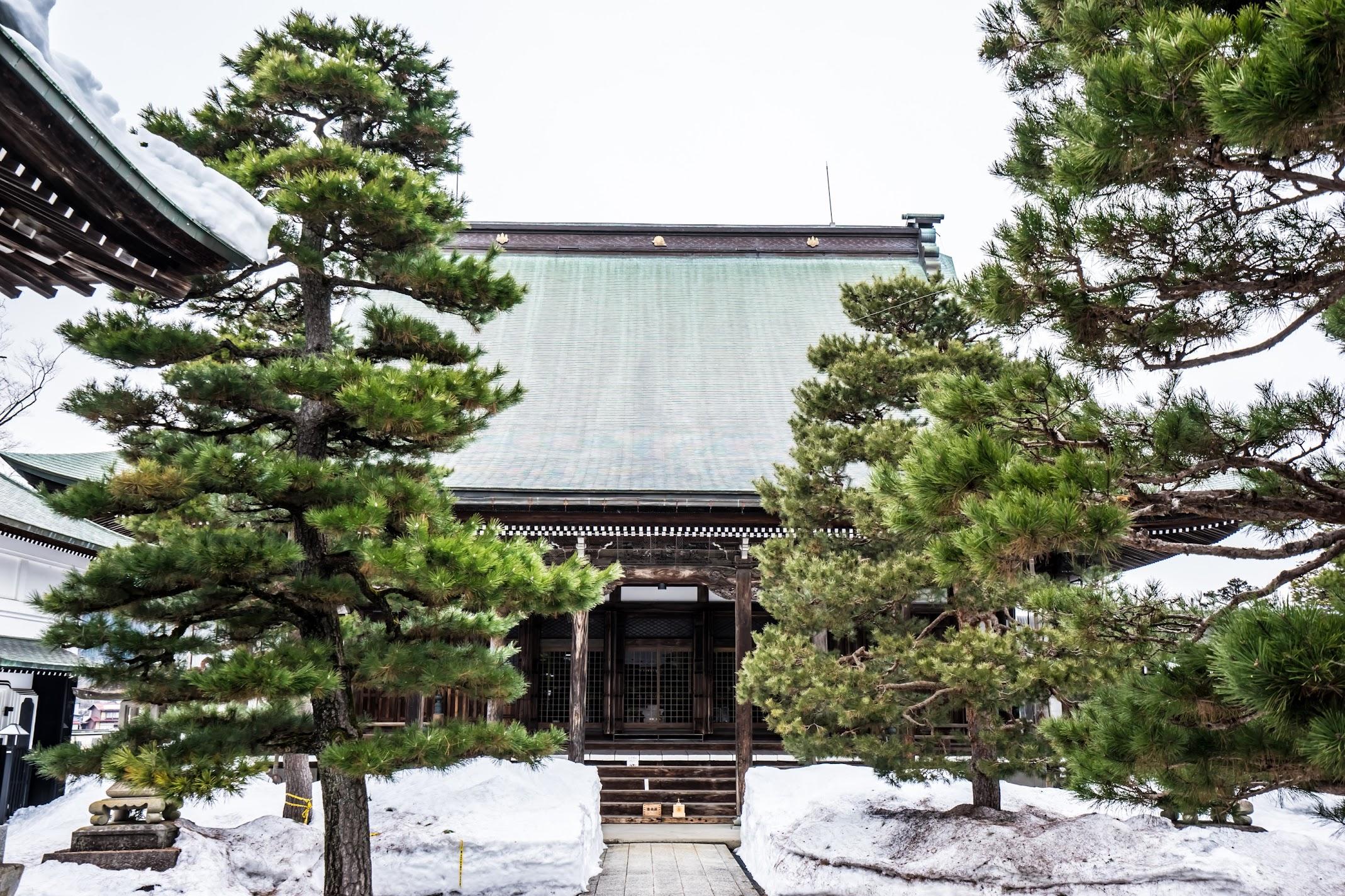 Hida Furukawa Shinshuji Temple2
