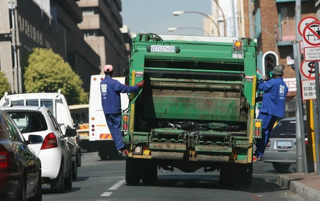 Johannesburg suburbs left full of rubbish as city bungles Avis contract