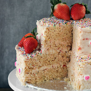 Strawberry Rice Krispie Treat Cake