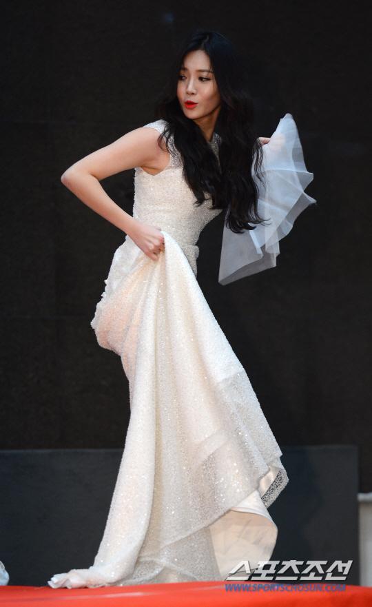 yura dress 43