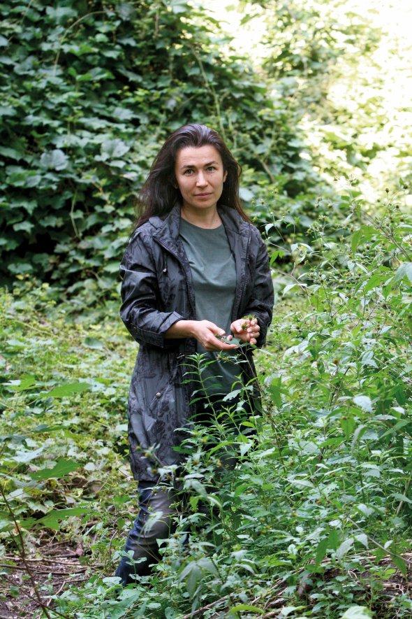 Дизайнерка Олена Фатєєва народилася неподалік Горбачихи– наМикільській Слобідці. Вона– одна знайактивніших захисників урочища