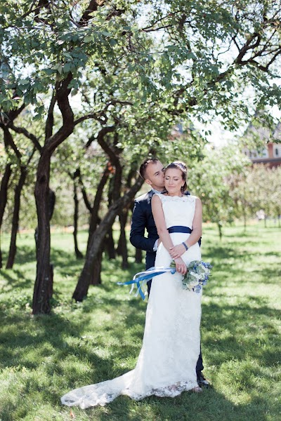 Wedding photographer Nastya Ladyzhenskaya (Ladyzhenskaya). Photo of 22.08.2015