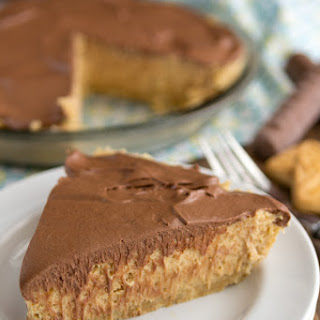 No-Bake Peanut Butter Twix Pie #piday.