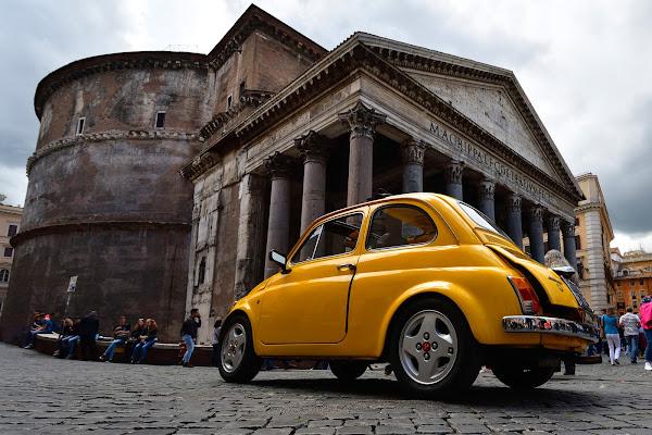 Fiat 500 al Pantheon di Luporosso