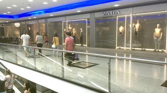 La tienda que tenía Zara en el Centro Comercial Mediterráneo,