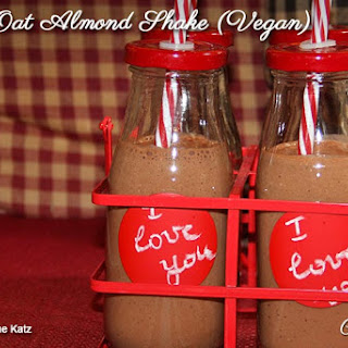 Banana Almond Chocolate Shake (Vegan).