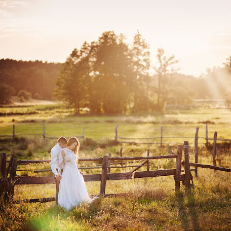 Wedding photographer Przemyslaw Markowski (photomarkowski). Photo of 19.03.2017