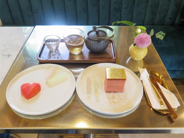 金錦町 Jin Jin Ding -- 金華街日式老屋裡的文青伴手禮甜點店,推出母親節丹鶴金箔蜂蜜蛋糕優惠。