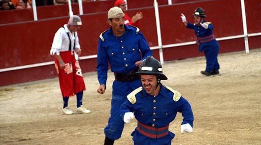 Piden el fin de los espectáculos de enanos toreros