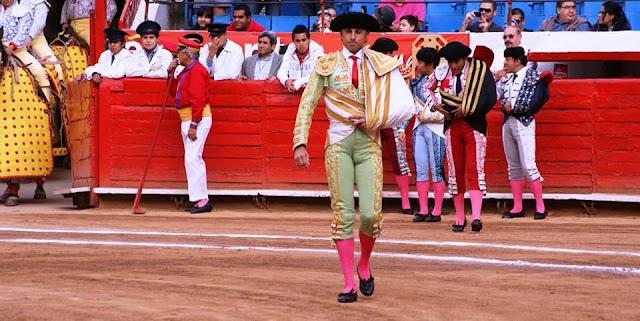 Ruiz Manuel en la Plaza de Toros de México.