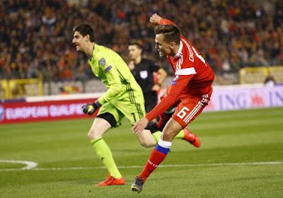"""De buitenlandse pers zag Hazard als verlosser en """"een enorme blunder van Courtois die aan een ongelukkig seizoen bezig is bij Real"""""""