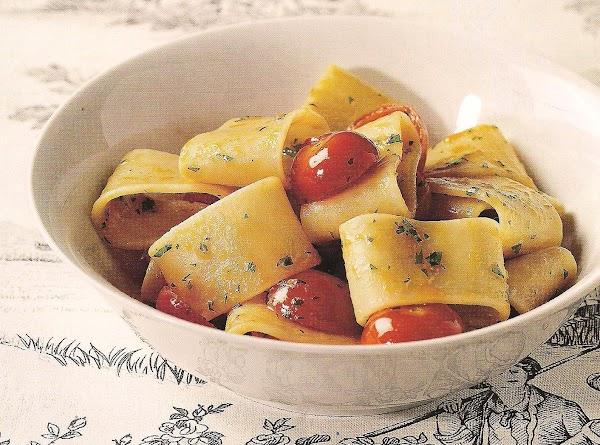 Mezzi Paccheri Con Pomodorini Ciliegia Alla Marini Recipe