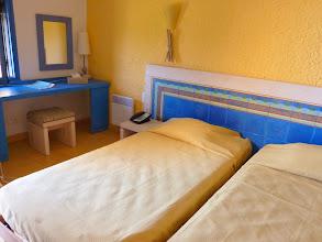 Photo: #002-Chambre du Club Med de Sant'Ambroggio