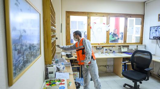 Refuerzan el servicio de limpieza en las dependencias municipales en uso