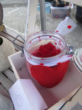 Photo: Composition avec rose éternelle stabilisée  prix 15 euros