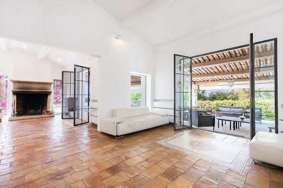 Vente villa 6 pièces 260 m2