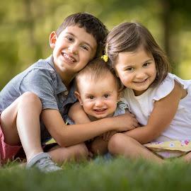 Little sister love by Mike DeMicco - Babies & Children Child Portraits ( sister, love, sweet, little sister, hug, family, little, cute, siblings )