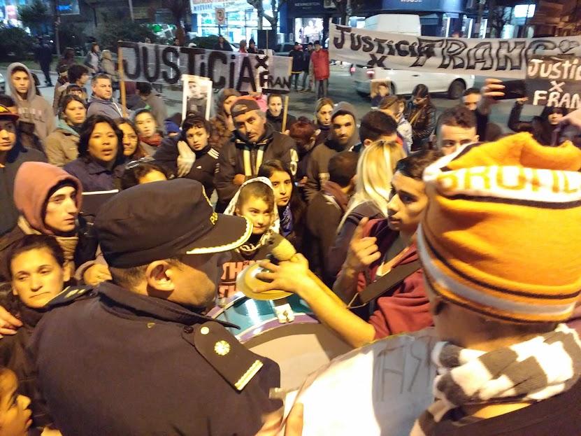 Reclamos y enojo en otra manifestación por Francisco