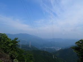 高賀三山(左)を望む(下は美並)