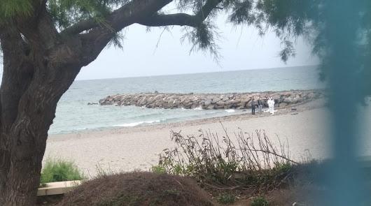 Hallan un cadáver en una playa de Adra