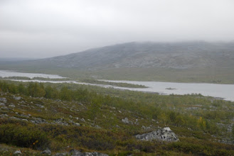 Kuva: JOstain tuolta yli, käytännössä saaren aivan itäpäästä oli kohtuullisen hyvä reitti ylittää vesistö.