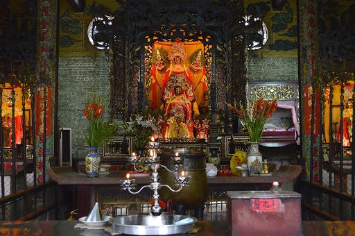 buddhist-temple-hanoi.jpg -  Inside an ornate Buddhist temple in Hanoi, Vietnam.