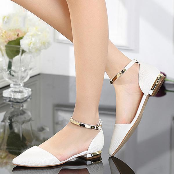 Cách chọn giày cho nàng chân to