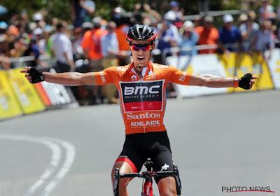 Déjà vu in Tour Down Under: Porte wint voor vierde jaar op rij op Willunga Hill en verstevigt leidersplaats