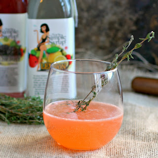 Strawberry Thyme Gin Fizz and a Giveaway!