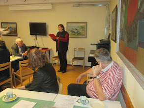 Photo: Författaren Nadja Zhandr läste sina dikter på svenska och ryska ur en svensk-rysk poesiantologi, utgiven nyligen i Malmö.