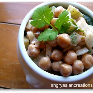 Spiced Garbonzo Beans (Chickpeas) & Yogurt Salad.