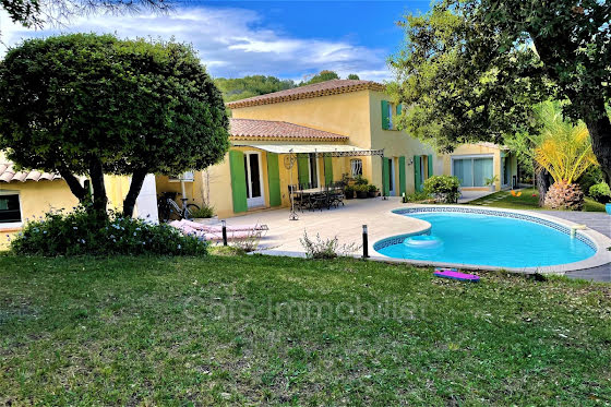 Vente villa 8 pièces 185 m2