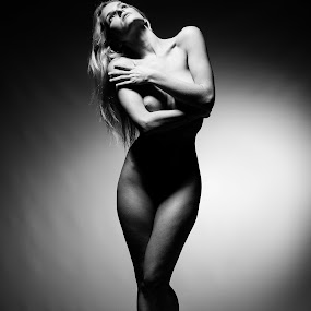 Noir Nude by ETImagez Photography - Nudes & Boudoir Artistic Nude ( noir, blonde, nude, b&w, black and white )